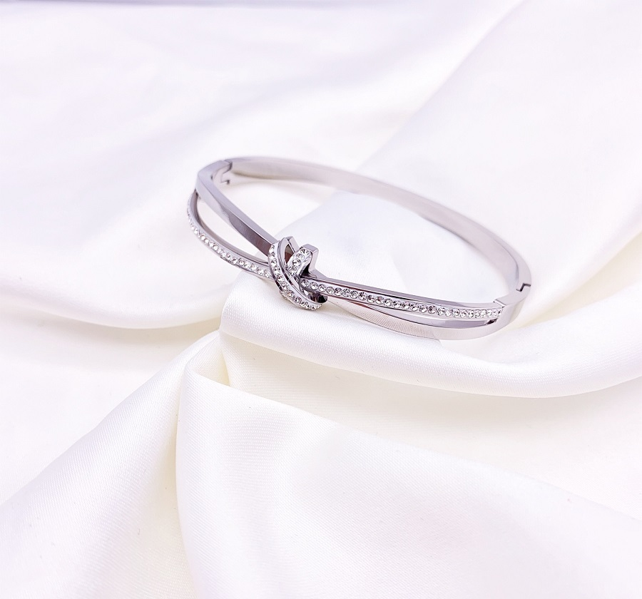 Sparkle Band with Circle Design Bracelet